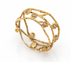 14k Gold ring with rough Diamonds